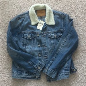 LUCKY BRAND FAUX FUR COLLAR JEAN JACKET